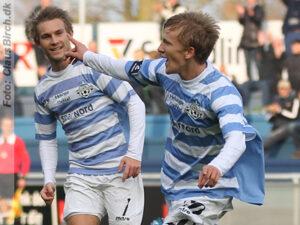 FODBOLD: Thomas Ibsen (FC Helsingør) jubler efter sin scoring til 1-0 under kampen i 2. Division Øst mellem FC Helsingør og Herlev den 2. november 2014 på Helsingør Stadion. Foto: Claus Birch