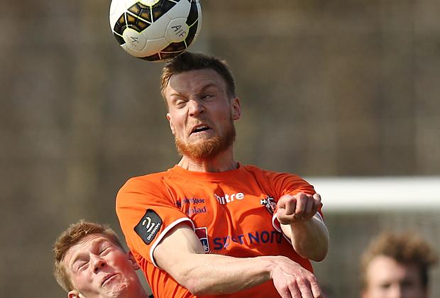 FODBOLD: Anton Holm (Avedøre) og Andreas Holm (FC Helsingør) under kampen i 2. Division Øst mellem Avedøre IF og FC Helsingør den 11. april 2015 på Avedøre Stadion. Foto: Claus Birch