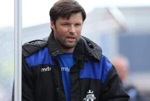 FODBOLD: Cheftræner Christian Lønstrup (FC Helsingør) under kampen i 2. Division Øst mellem Fremad Amager og FC Helsingør den 20. juni 2015 i Sundby Idrætspark. Foto: Claus Birch