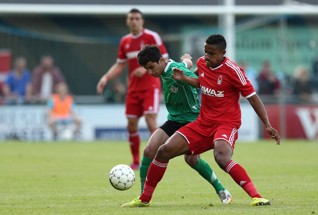 FOOTBALL: Essam Salamoun (FC Helsing¿r) in action with Michael Mancienne (Nottingham Forest) during the pre-season match between FC Helsing¿r and Nottingham Forest at Helsing¿r Stadion on July 14, 2015 in Helsing¿r, Denmark. Photo: Claus Birch / ClausBirch.dk