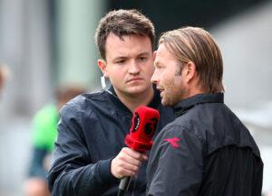 FODBOLD: Assistenttræner Brian Gellert (FC Helsingør) giver interview til TV3 Sport under kampen i 1. Division mellem Vejle Boldklub og FC Helsingør den 11. august 2016 på Vejle Stadion. Foto: Claus Birch